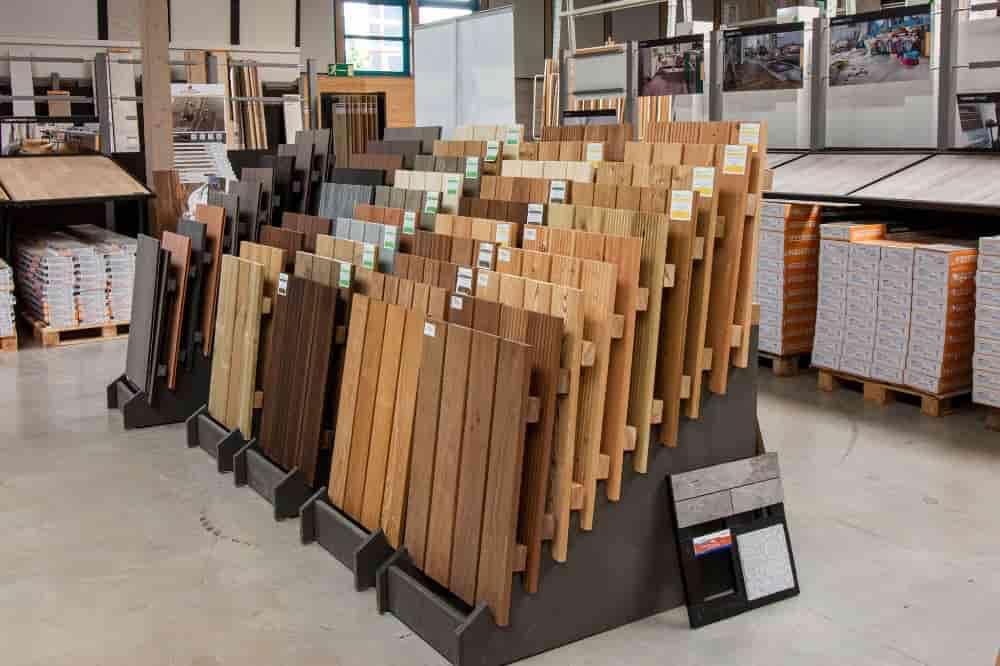 Holz Münker Ausstellung Terassendiele Holz Fachmarkt Siegen