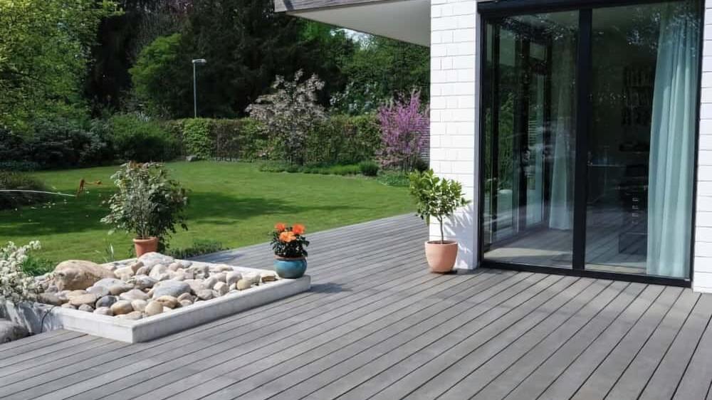 Holz Terrassendielen Einfamilienhaus