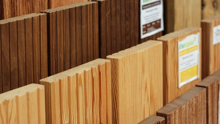 Terrassendielen geriffelt Ausstellung Holz Münker
