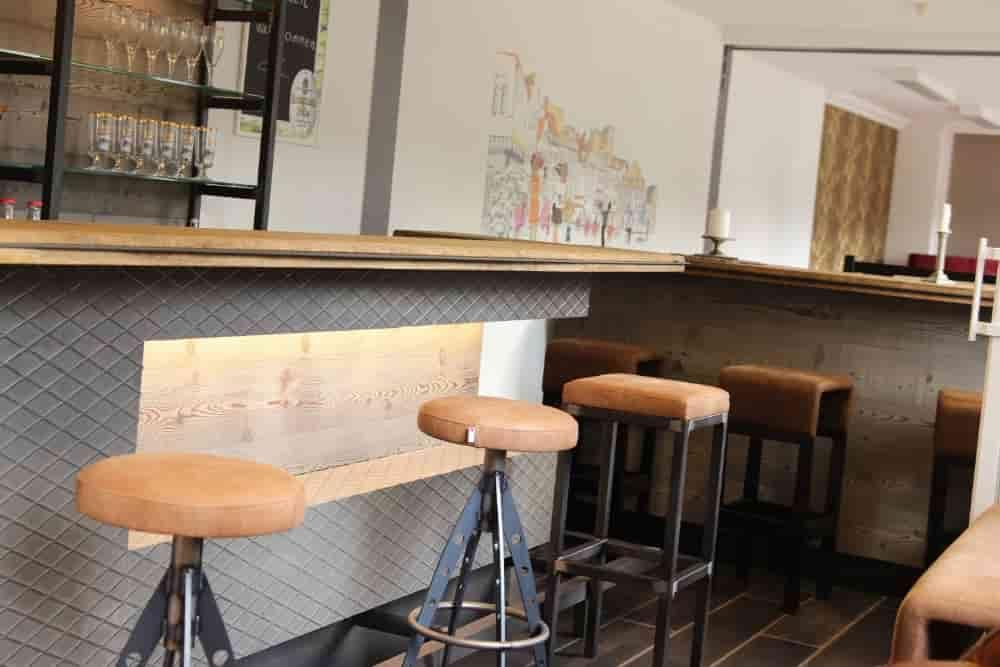 W Design Objekteinrichtung Bar Gastronomie Hotellerie Ausstellung Holz Münker